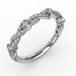 Twisted Prong Set Band with Diamond Bezel Stations