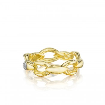 Crescent Links Ring in Yellow Gold